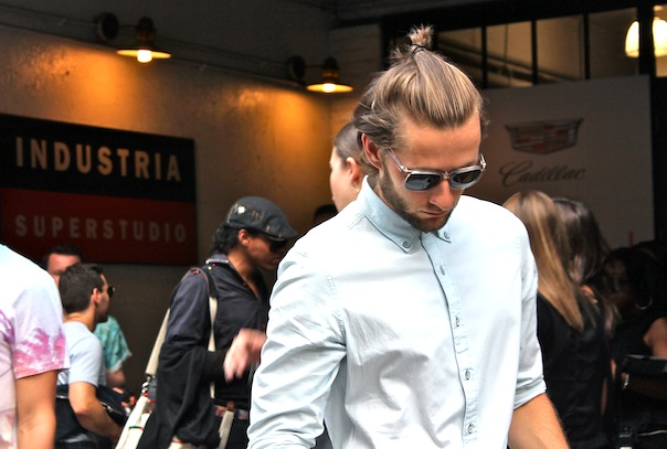 new-york-fashion-week-mens-street-style-spring-summer-8-man-bun