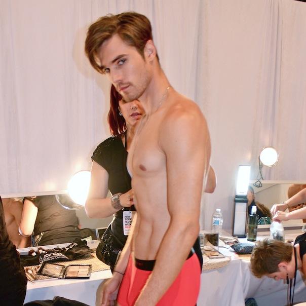 parke-ronen-backstage-spring-2016-male-model-david-martins
