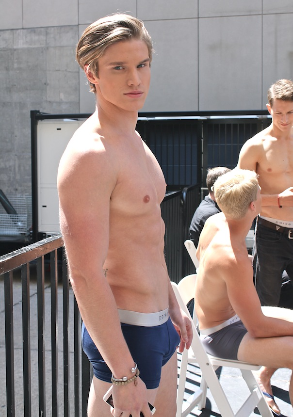 parke-ronen-backstage-spring-2016-male-model-matt-mcgue