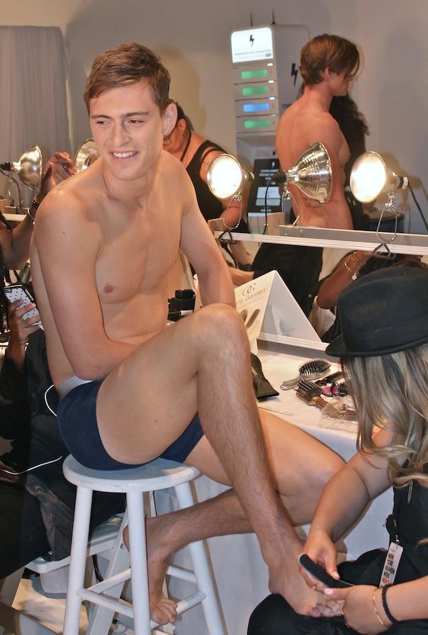 parke-ronen-backstage-spring-2016-male-model-myles-crosby