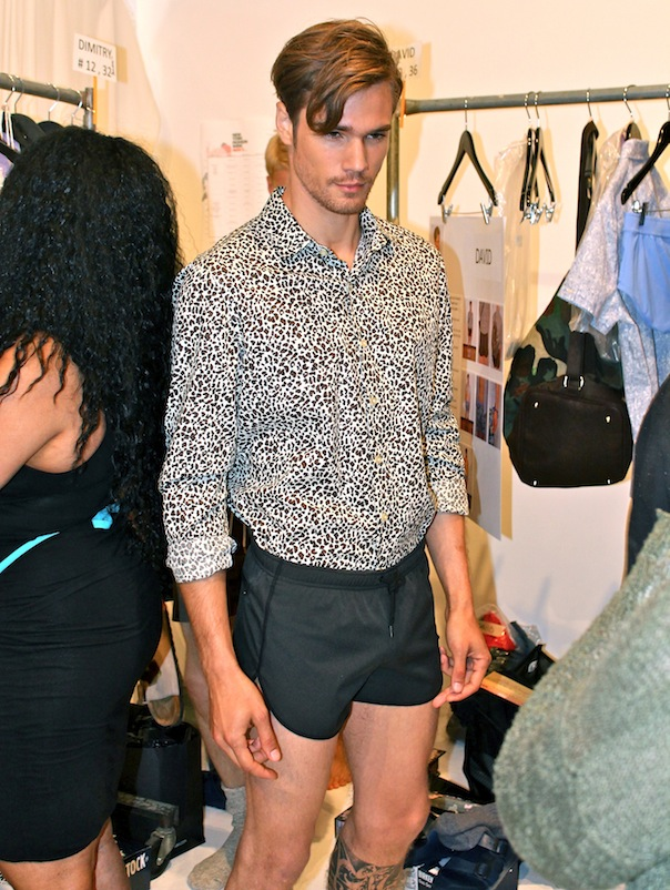 parke-ronen-spring-2016-model-david-martins-backstage