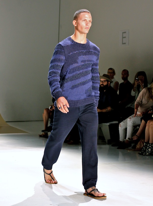 perry-ellis-spring-2016-model-runway