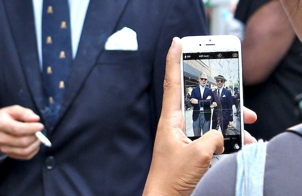 street-style-men-new-york-fashion-week-1-nick-wooster-iphone