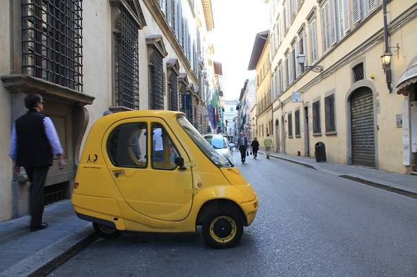 florence-street-car-italy