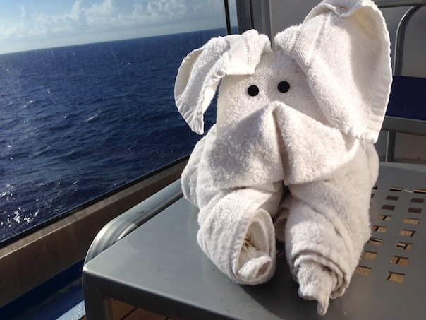 balcony-room-cruise-towel-animal