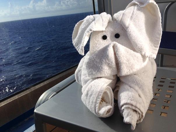 balcony-room-cruise-towel-animal
