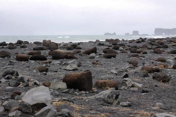 iceland-reynisfjara-black-sand-beach