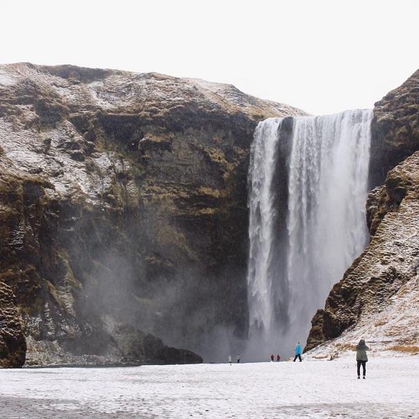 Skogarfoss-waterfall-falls-tour