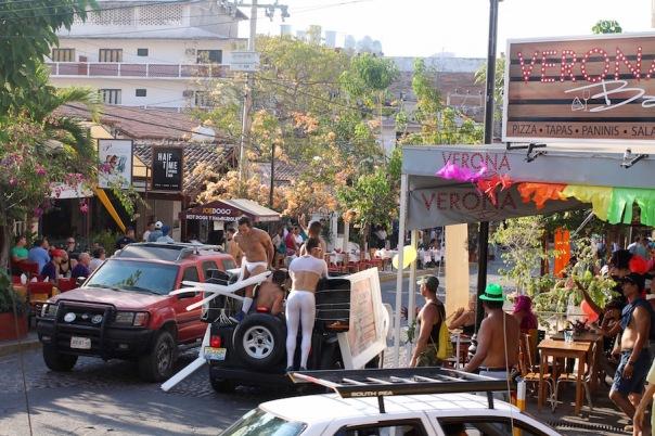 puerto-vallarta-pride-2016-parade-20