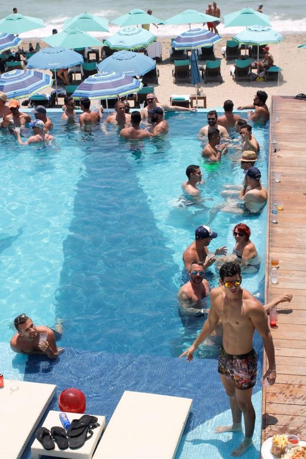 puerto-vallarta-pride-2016-pool-party-mantamar-4