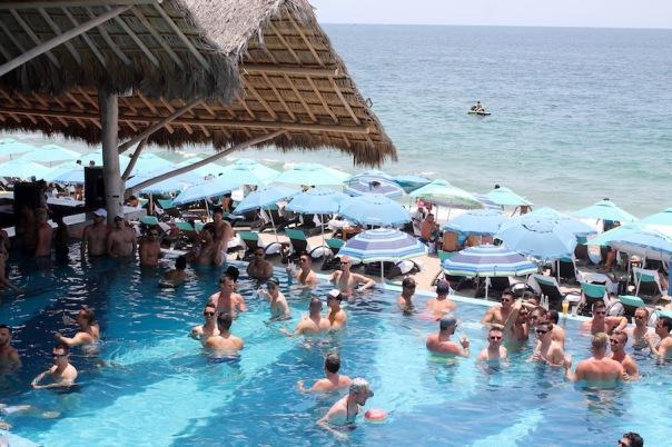 puerto-vallarta-pride-2016-pool-party-mantamar-5
