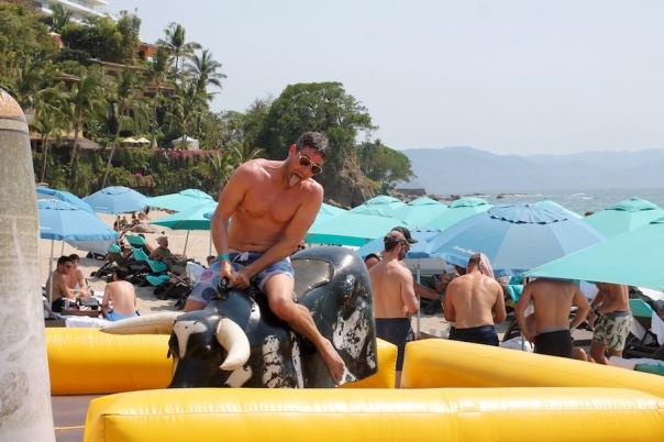 puerto-vallarta-pride-2016-pool-party-mantamar-8