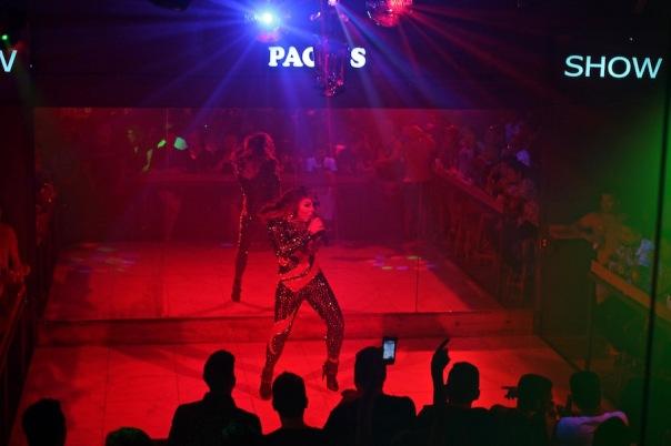 vallarta-drag-queen-show-pacos-club